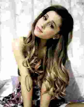 Ariana Grande authentic signed 8x10 picture
