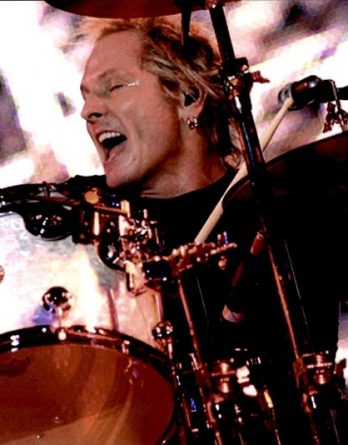 Matt Sorum authentic signed 8x10 picture