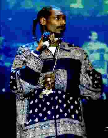 Snoop Dogg authentic signed 8x10 picture