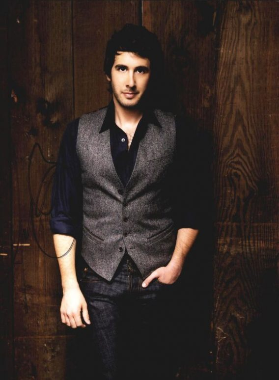 Josh Groban authentic signed 8x10 picture