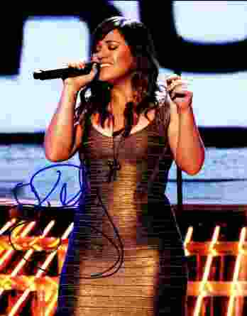 Kelly Clarkson authentic signed 8x10 picture