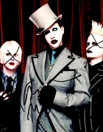 Marilyn Manson authentic signed 8x10 picture