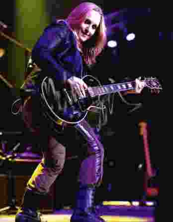 Melissa Etheridge authentic signed 8x10 picture