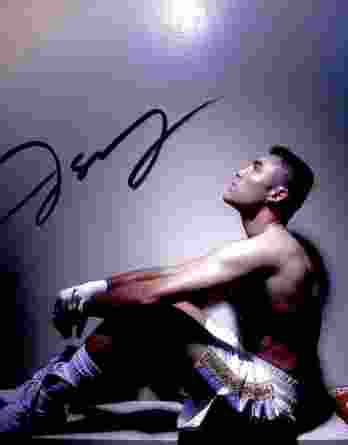 Oscar De La Hoya authentic signed 8x10 picture