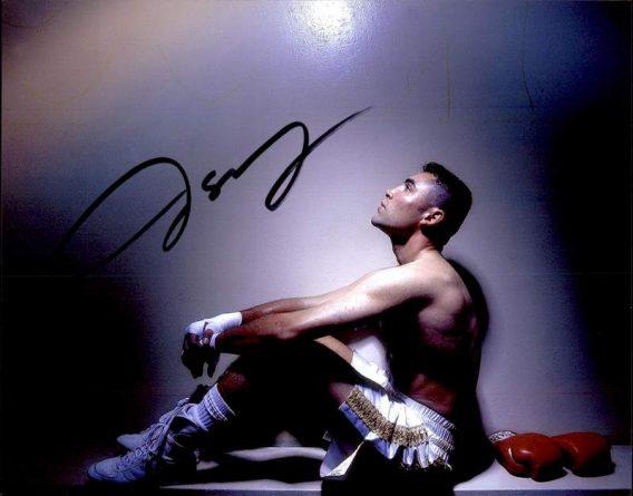 Oscar De La Hoya authentic signed 8x10 picture