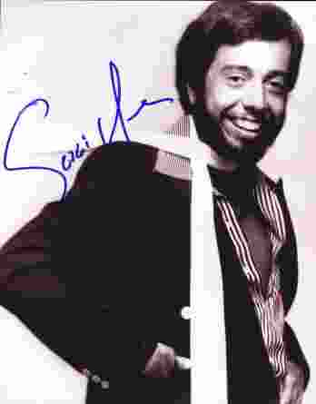 Sergio Mendes authentic signed 8x10 picture