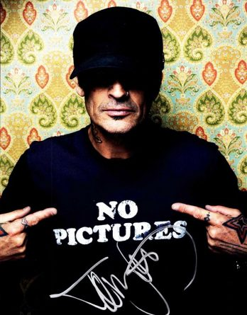 Tommy Lee authentic signed 8x10 picture