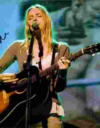 Aimee Mann authentic signed 8x10 picture