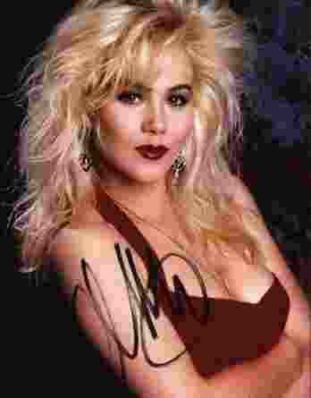 Christina Applegate authentic signed 8x10 picture