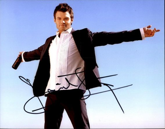 Daniel Gillies authentic signed 8x10 picture