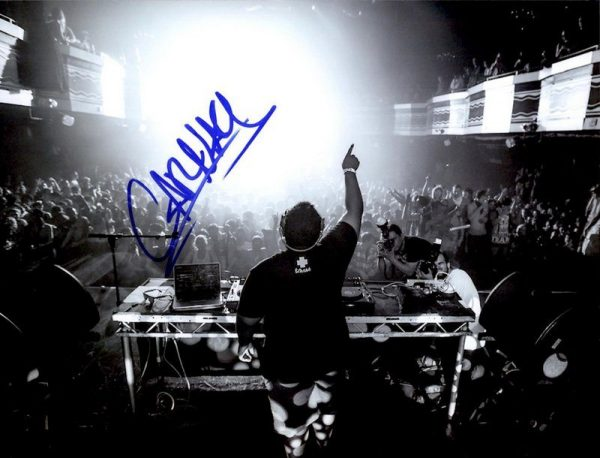 EDM DJ Carnage authentic signed 8x10 picture