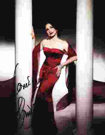 Gloria Estefan authentic signed 8x10 picture