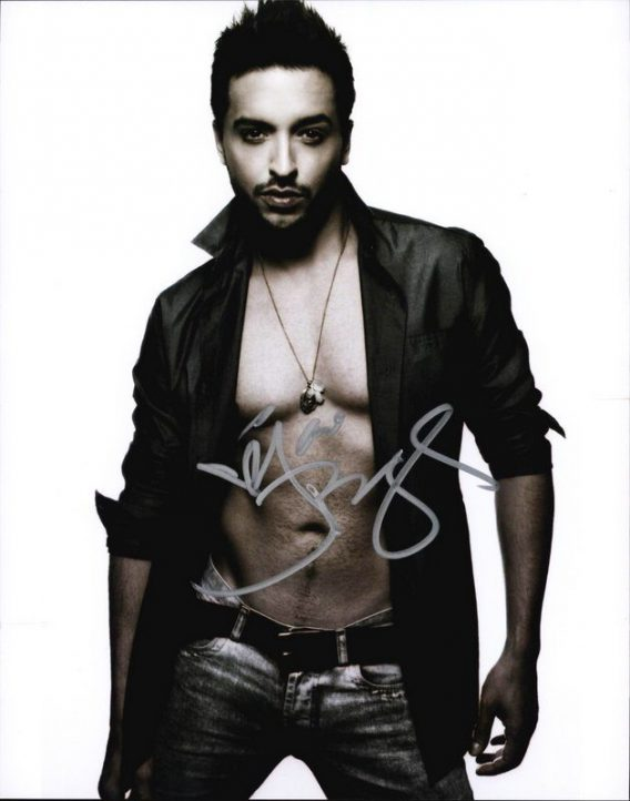 Jai Rodriguez authentic signed 8x10 picture