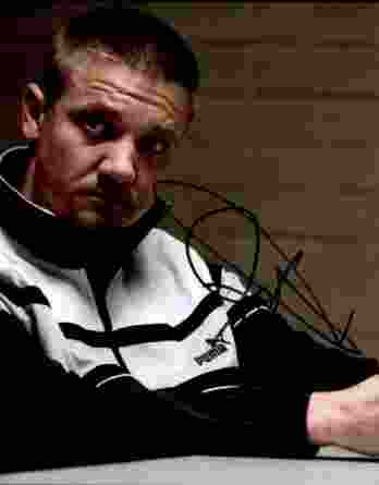 Jermey Renner authentic signed 8x10 picture