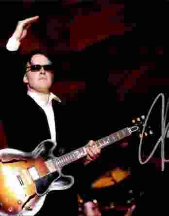 Joe Bonamassa authentic signed 8x10 picture