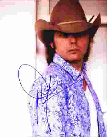 Dwight Yoakam authentic signed 8x10 picture
