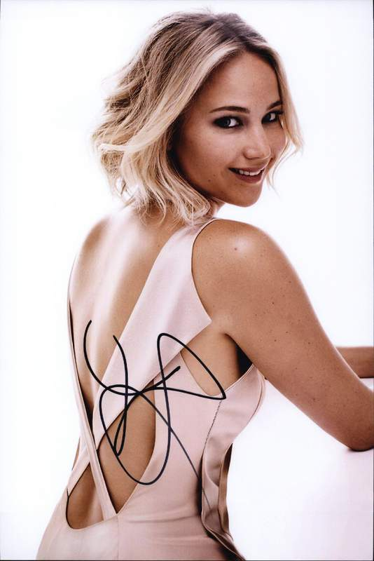 Jennifer Lawrence authentic signed 10x15 picture