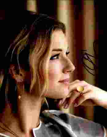 Jennifer Aniston authentic signed 11x14 picture