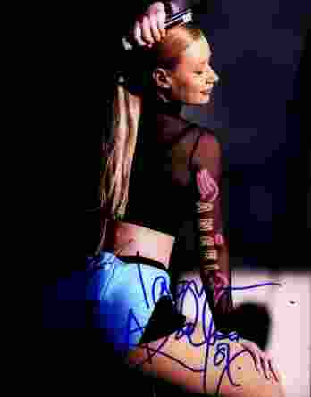 Iggy Azalea authentic signed 8x10 picture
