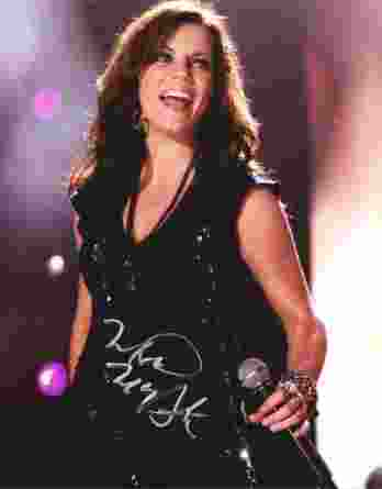 Martina Mcbride authentic signed 8x10 picture