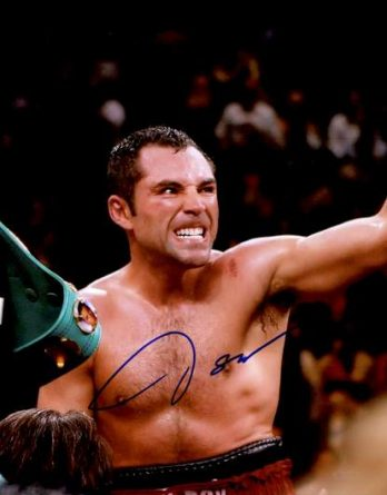 Oscar De La Hoya authentic signed 10x15 picture
