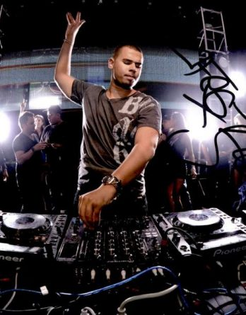 Afrojack authentic signed 8x10 picture