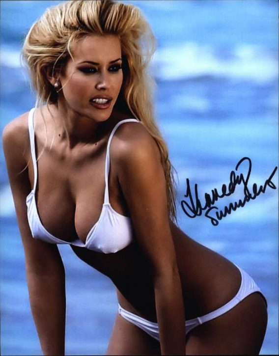 Kennedy Summers authentic signed 8x10 picture