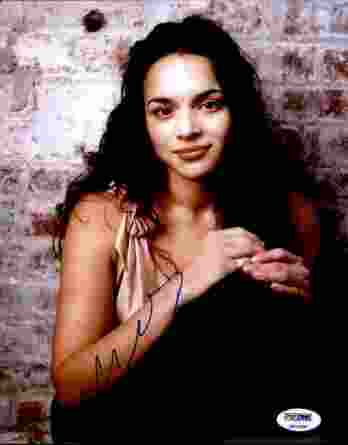 Norah Jones authentic signed 8x10 picture
