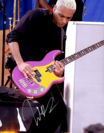 Tony Kanal authentic signed 10x15 picture