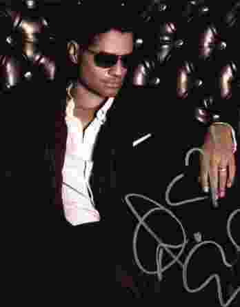 Eric Benet authentic signed 8x10 picture