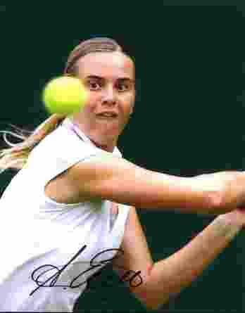 Tennis player Anastasiya Yakimova signed 8x10 photo