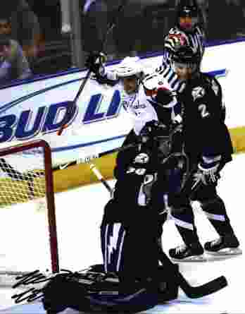 NHL Mike Mckenna signed 8x10 photo